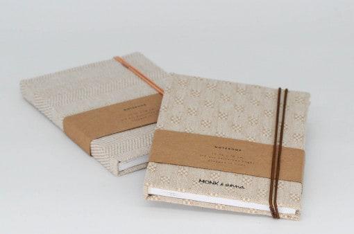 Zwei Notizbücher von monk & ANNA aus Leinen